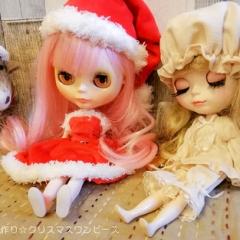 """お人形のお洋服作り☆クリスマスワンピース • <a style=""""font-size:0.8em;"""" href=""""http://www.flickr.com/photos/60410788@N05/49108643401/"""" target=""""_blank"""">View on Flickr</a>"""